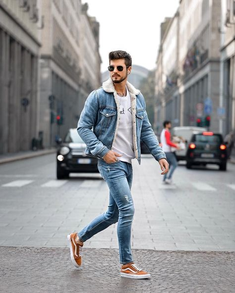 Breathtaking 50 Nice and Unique Men Outfit to Wear Everyday http://99outfit.com/index.php/2018/12/19/50-nice-and-unique-men-outfit-to-wear-everyday/