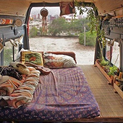 25 Van Life Hacks That Will Blow Your Mind! 25 Van Life Hacks That Will Blow Your Van Life Hacks That Will Blow Your Mind! 2017 at pmThere are 3 types n Camper Life, Rv Campers, Camper Van, Sprinter Camper, Van Life, Camping Con Glamour, Camping Diy, Camping Guide, Camping Glamping