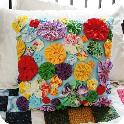 Yo Yo Pillow by katedeerie, via Flickr