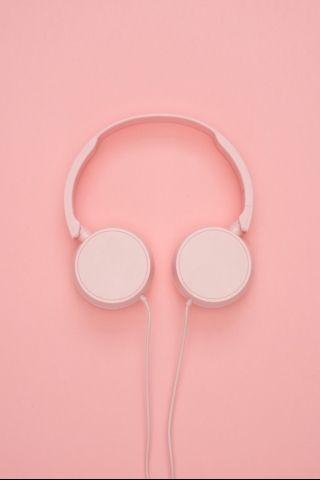A Beautiful Pink Headphones Art Background Wallpapers Warna Seni Pastel