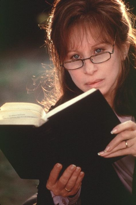 Barbra Streisand reads in The Mirror Has Two Faces (1996).And although the Streisand character is articulate and intelligent in most scenes, her intelligence level falters in the key scene intended to establish it, as she lectures her Columbia lit...