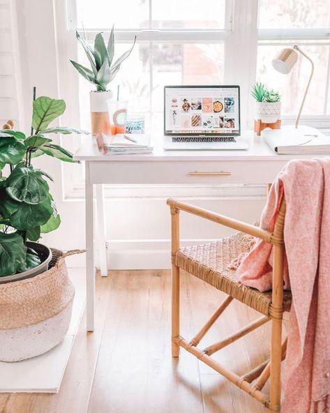 Interior, Home, Home Desk, Apartment Desk, Room Inspiration, Apartment Decor, Desk Space, Bedroom Decor, Office Interior Design
