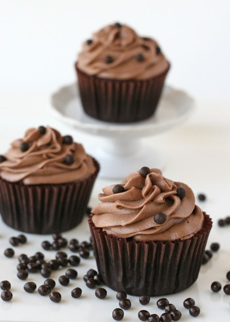 Chocolate Kahlua Cupcakes - Two of my favorite flavors, together in one amazing cupcake!