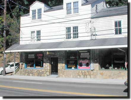 Try The Best Burgers In Town At Bearland General Store And Grill Located At  Traffic Light #8 On Historic Nature Trail Road. #Gatlinburg #dining    Pinterest ...