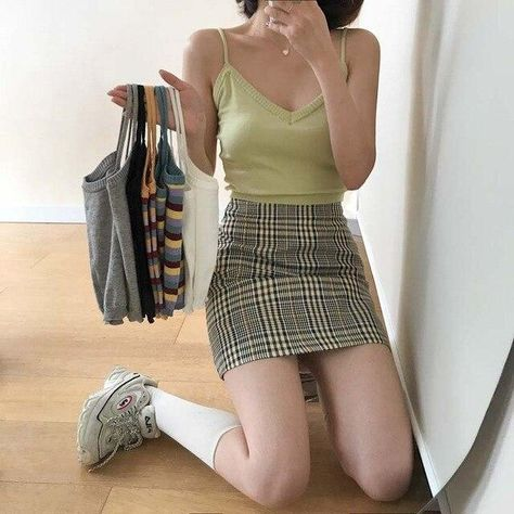 AESTHETIC KNITTED SUMMER CROP TOP - Green / One Size