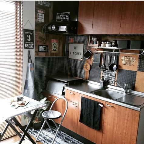 100均セリアの壁紙やリメイクシートを使ったdiy実例特集 キッチン Diy 団地インテリア キッチンデザイン