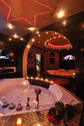 Luxurios Romantisch Einzigartig Die Traumnacht Suite Am Stadtrand Von Frankfurt Am Main Gelegen Bietet Verliebten Ein Ganz Beson Ubernachtung Hotel Hotels