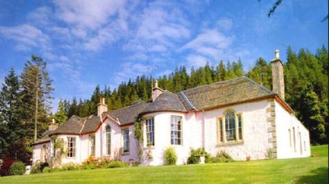 Historic Boleskine House, Formerly Owned By LED ZEPPELIN Guitarist JIMMY PAGE And Occultist ALEISTER CROWLEY, Gutted In Massive Blaze