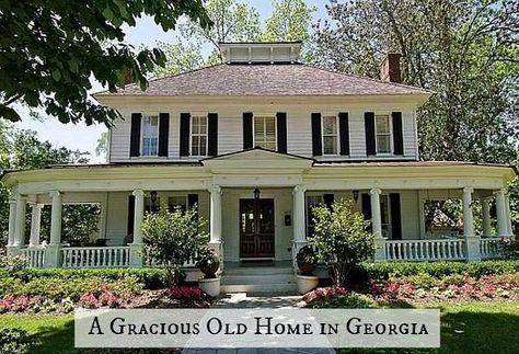 43 Stylish Antebellum Homes Ideas For You Finding out what personal possessions you can actually bring is quite necessary whilst making a determination about a specific care home. Nor do you need to regret or wonder if you did the perfect … Antebellum Homes, Water House, Houses On The Water, House With Porch, Historic Homes, Victorian Homes, Victorian Farmhouse, Victorian Interiors, Old Houses