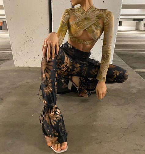Do you like this outfit? Fashion Killa, Look Fashion, Runway Fashion, High Fashion, Autumn Fashion, Fashion Outfits, Fashion Design, Black Girl Fashion, Fashion Prints