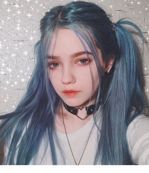 lil crybaby 𝖑𝖎𝖑 𝖈𝖗𝖞𝖇𝖆𝖇𝖞 (@___ghostbaby___) 2019-01-23 blue grey ombré hair leather collar with heart shaped ring