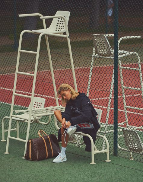 Moletom e bermuda ciclista: o editorial da Vogue Paris com Hailey Bieber relembra o estilo esportivo de Lady Di Justin Bieber, Hayley Bieber, Hailey Baldwin Vogue, Hailey Baldwin Style, Vogue Paris, Style Sportif Chic, Mode Tennis, Festival Jazz, Sporty Chic Style
