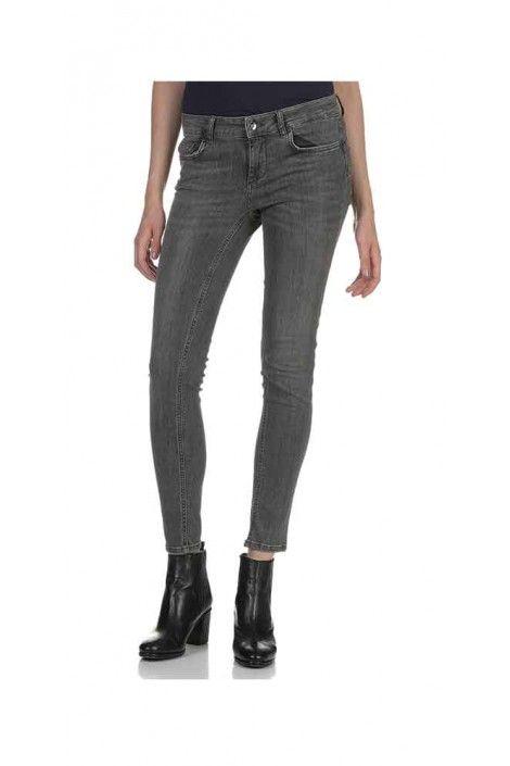 Pantalones Concentración Temprano  Liu Jo Jeans in 2020 | Jo jeans, Liu jo, Bright trends