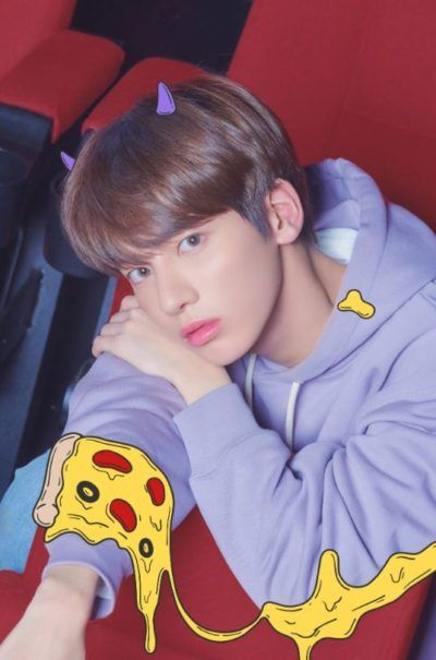 The Occult Meaning Of Crown By Txt The New K Pop Supergroup Selebritas Aktor Rambut Biru