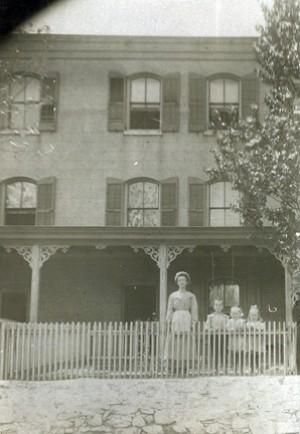 This Week S Out Of The Attic Item Is A 1909 Picture Of A House In The Deandale Area These Houses Were Owned By The National Vu House Attic Wilmington Delaware