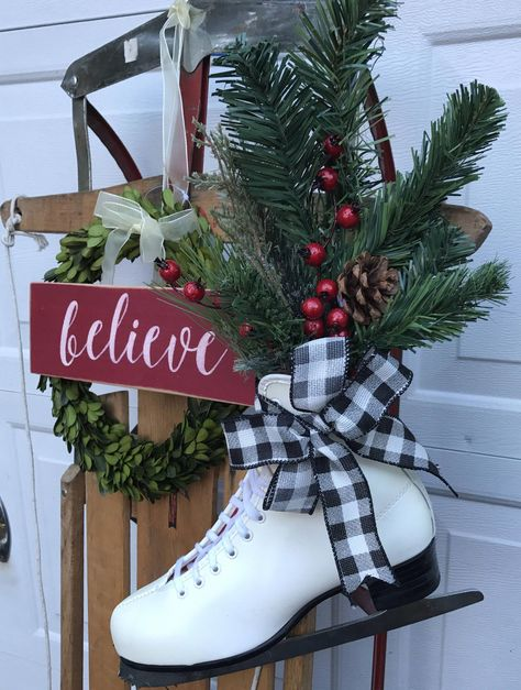 This is an amazing rustic ice skate wall hanging. Would also be perfect propped by the fireplace or you can hang on your door. Its roughly 19 tall, across. Size may vary slightly, Filled with win Christmas Sled, Winter Christmas, Christmas Holidays, Christmas Wreaths, Christmas Porch Ideas, Outdoor Christmas Planters, Christmas Window Boxes, Christmas Booth, Christmas Lyrics