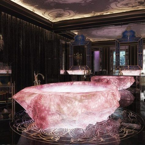 A truely magical experience for the body and soul to have a bathtub like this..
