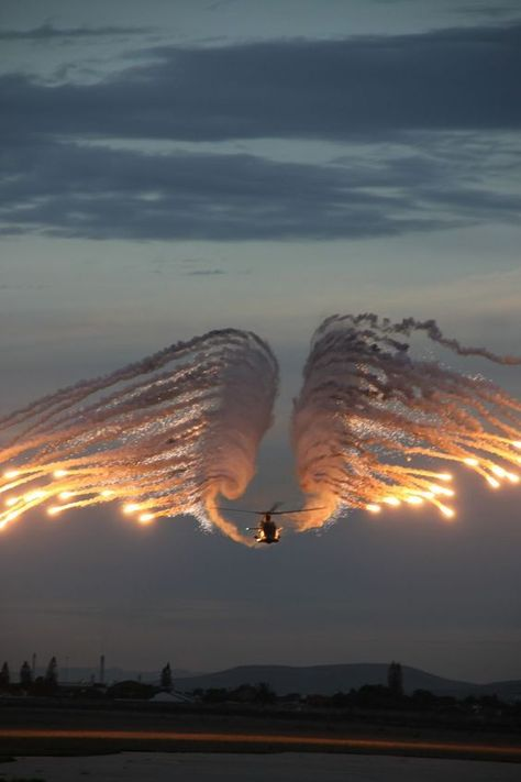 Helicopter Flares Photo by Jenny Reynolds -- National Geographic Your Shot Military Helicopter, Military Aircraft, Attack Helicopter, Angel Flight, Cool Pictures, Beautiful Pictures, Angel Pictures, Patriotic Pictures, Airplane Photography