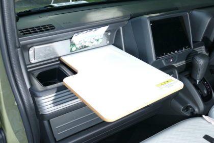 ホンダ N Vanの車中泊仕様を拝見 居住性をグッと上げる 多彩な