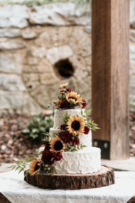 30 Best Sunflower Wedding Ideas Images In 2020 Sunflower Wedding Wedding Sunflower Themed Wedding