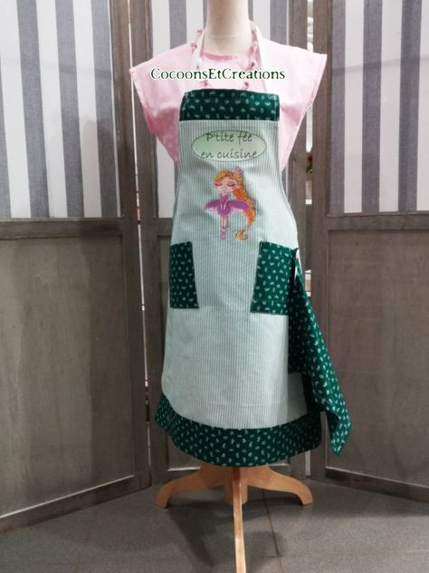 P'tite FÉE child apron in the kitchen