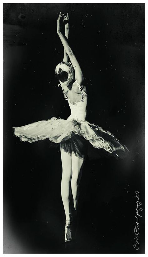 Sasha Gouliaev Viktoria Tereshkina is a Russian ballet dancer, currently one of the stars of the Mariinsky Ballet in Saint Petersburg. Ballet Images, Ballet Pictures, Dance Pictures, Vintage Ballet, Russian Ballet, Shall We Dance, Ballet Dancers, Ballerinas, Dance Poses