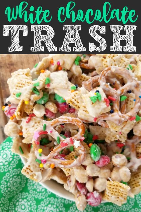 christmas snacks A sweet and salty snack mix made with chex cereal, pretzels, peanuts and Mamp;Ms coated with white chocolate perfect for Christmas, other holidays or just for a sweet treat (also called Christmas Crack)! Christmas Sweets, Christmas Cooking, Christmas Parties, Christmas Chex Mix, Christmas Christmas, Christmas Crack Chex Recipe, Christmas Trash Recipe, Christmas Puppy Chow, Reindeer Chow Recipe