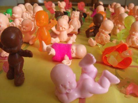 Les babies - j'en ai encore un. On les achetait en boulangerie. Mes préférés les marrons parceque je croyais qu'ils etaient en chocolat!!
