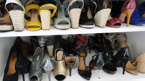 a3f4e2c6e Organização de sapatos. Como organizar os sapatos e otimizar o espaço do  armário.