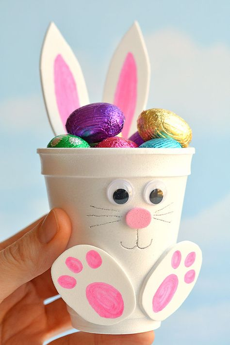 How to make foam cup bunnies diy foam cup easter bunnies bunnies cup diy easter foam 50 adorable easter treats that are almost too cute to eat! Bunny Crafts, Easter Crafts For Kids, Kids Diy, Easter Baskets To Make, Easy Crafts, Diy And Crafts, Decor Crafts, Foam Crafts, Cup Crafts