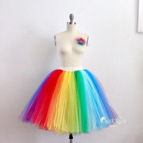 tulleskirt You need this festive skirt...