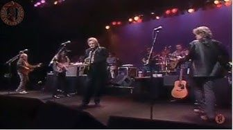 The Highwaymen Desperados Waiting For A Train Live Youtube Youtube Music Videos Nassau Coliseum