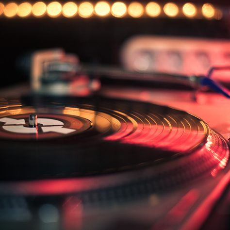 """""""Vinyl is the only consumer playback format we have that's fully analog and fully lossless"""" Home Music, Dj Music, Music Stuff, Music Is Life, Vintage Records, Vintage Music, Lps, Pub Radio, Techno"""