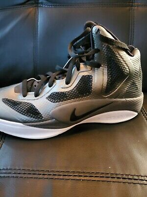 2011 Mens Nike Hyperfuse Basketball Size 10 Ebay In 2020 Nike Men Nike Red Basketball Shoes