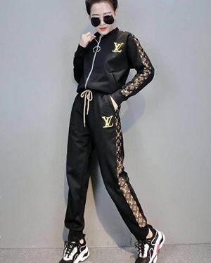 LV WOMEN'S SPORT SUITS LOUIS VUITTON JOGGING SUIT TRACKSUITS TS-2076 LV  Shirt & Hoodies   Louis vuitton tracksuit, Sport suit women, Jogging suit