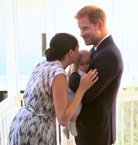 Meghan Markle On Instagram Kisses For Archie In 2020