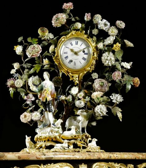 Now that's a #clock. #Meissen Porcelain from 1745.