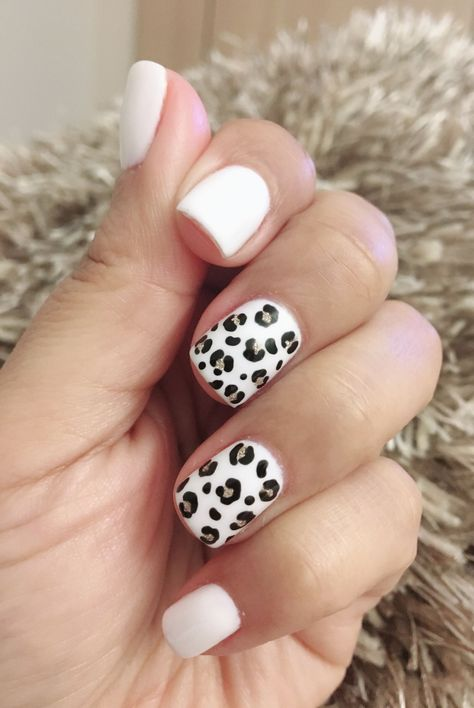 Leopard Nails, White Nails, Snow Leopard, Nail Polish Combinations, Polka Dot Nails, Chevron Nails, Best Acrylic Nails, Acrylic Gel, Nagel Gel