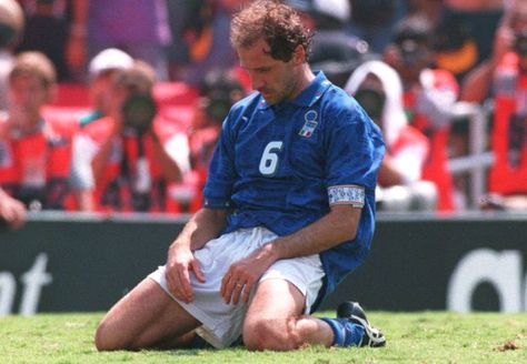 bd7cae77913 Franco Baresi (Italy) in despair after he misses his penalty shot against  Brazil's goalkeeper Claudio Taffarel on 17 July 1994 during the 1994 FIFA  World ...