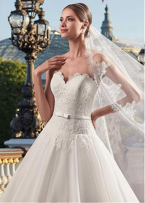 Magbridal Elegant Tulle Sweetheart Neckline Dropped Waistline A-line Wedding Dress With Lace Appliques & Belt