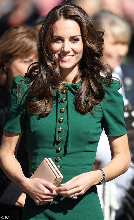 I'm obsessed with Princess Kate and I would love more of this color green in my wardrobe!  This dress is amazing!