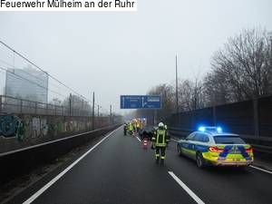 Mulheim An Der Ruhr Verkehrsunfall Auf Der A40 Richtung Duisburg Mulheim An Der Ruhr Duisburg Ruhr