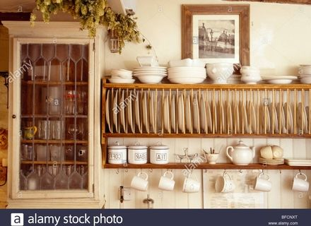 Wooden Plate Rack Wall Shelf