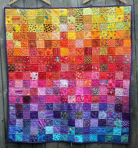 31 Inspiring Quilters ~ Cath from Wombat Quilts (Sew Mama Sew) Sew Mama Sew, I Spy Quilt, Quilt Baby, Quilting Projects, Quilting Designs, Quilting Ideas, Sewing Projects, Postage Stamp Quilt, Scrap Quilt Patterns