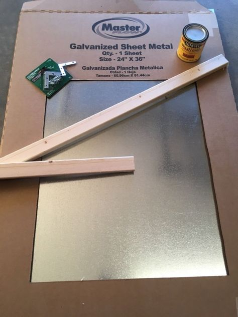 Transform your walls with this magnetic board. All you need is sheet metal, wood and a few hinges and you too can change around your wall decor constantly. Magnetic Chalkboard, Magnetic Wall, Diy Magnetic Board, Magnet Boards, Decorative Magnetic Board, Marco Diy, Cute Diy, Metal Board, Magnetic Picture Frames