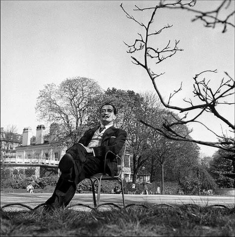 Salvador Dalí in front of the Hampton Manor, Bowling Green, VA, 1941 The private home of Caresse Crosby ...