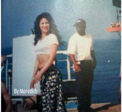 Behind The Scenes Of The Bidi Bidi Bom Bom Music Video With Images Selena Quintanilla Selena Quintanilla Perez Selena Quintanilla Outfits
