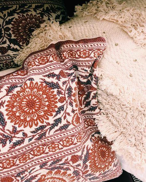 "Liz on Instagram: ""Patterns 💓🌷. #interiordesign #flowers #design #shotoniphone #vscocam"""