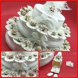 Bomboniere Matrimonio Offerte.Torte Di Bomboniere Capodimonte Fiori Con Magnete Confettata