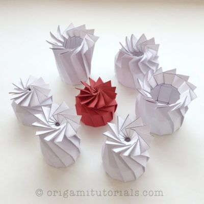 Tutorial for Origami Rose Gift Box designed by Shin Han Gyo - YouTube | 400x400